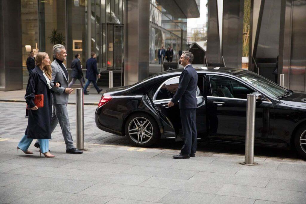 Кто пользуется бизнес-классом в такси