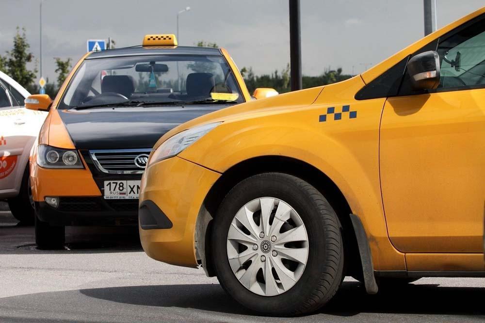 За что несет ответственность таксопарк и водитель такси